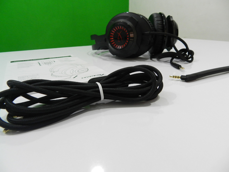 HyperX-Cloud-Revolver-Review-Set