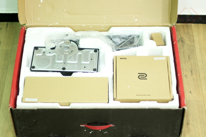 Unboxing Zowie XL2735 Gaming Monitor