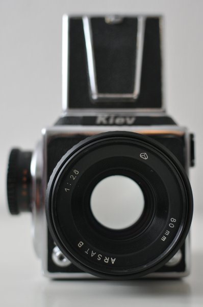 Kiev 88 Medium Format, Front View with an 1:2.8/80 mm Arsat Lens