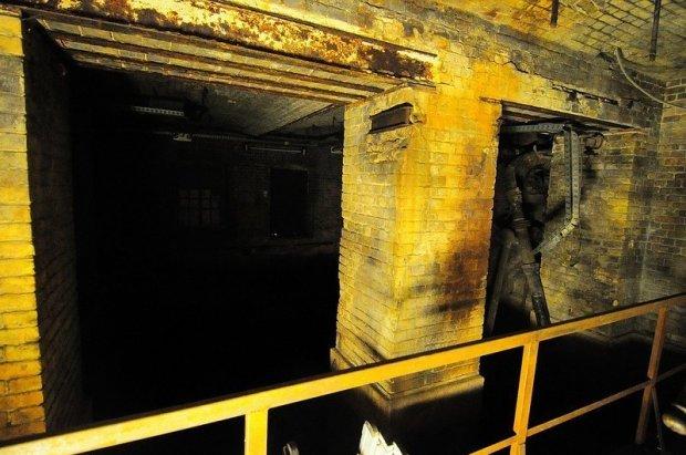 stadtbad catacombs