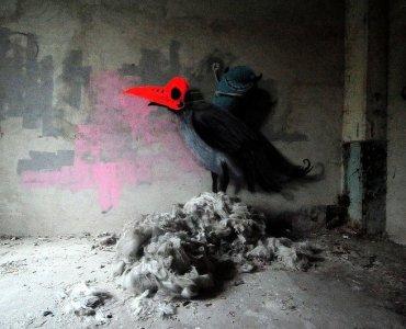 crow graffiti