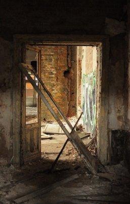 crumbling walls abandoned ballhaus riviera