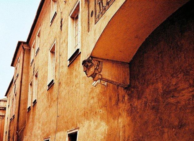 facade in poznan