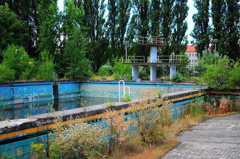 abandoned freibad lichtenberg pool