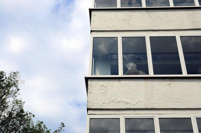 kapputes fenster müggelturm berlin