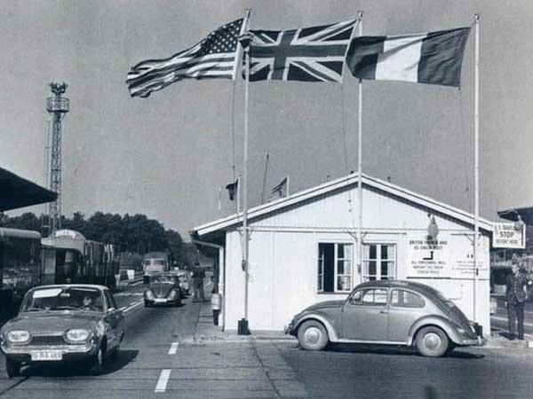 checkpoint bravo 1950s berlin dreilinden