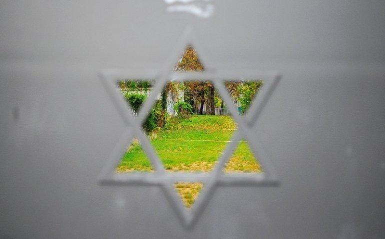 star of david judengang juedischerfriedhof schoenhauser allee