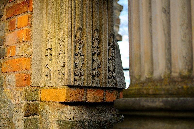 decorative fragments tuileriensaeule