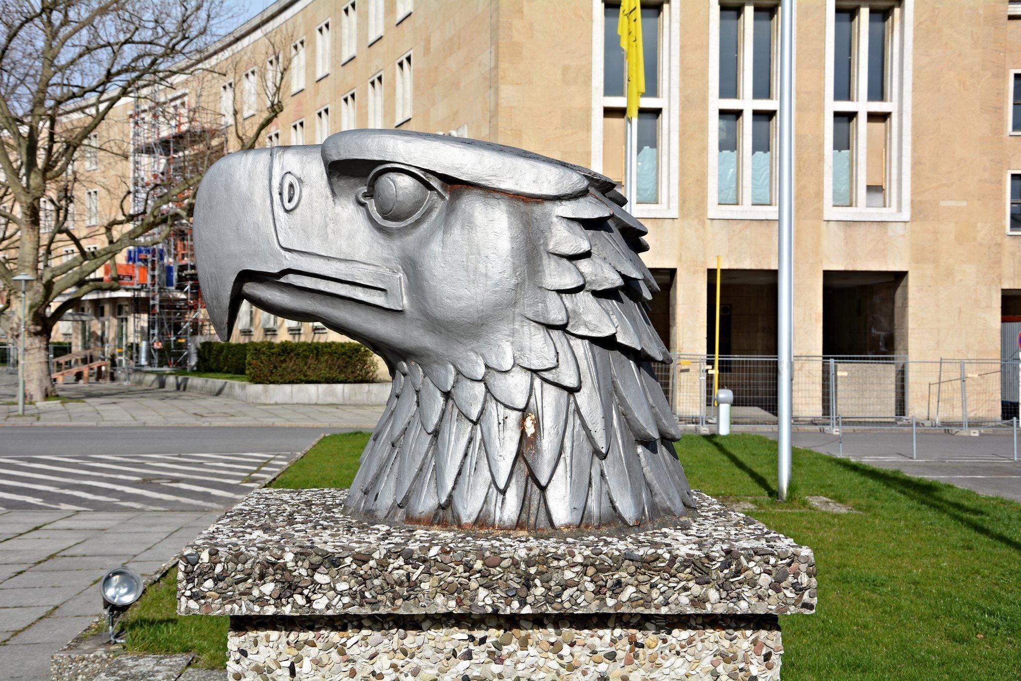nazi reichsadler kopf berlin tempelhof