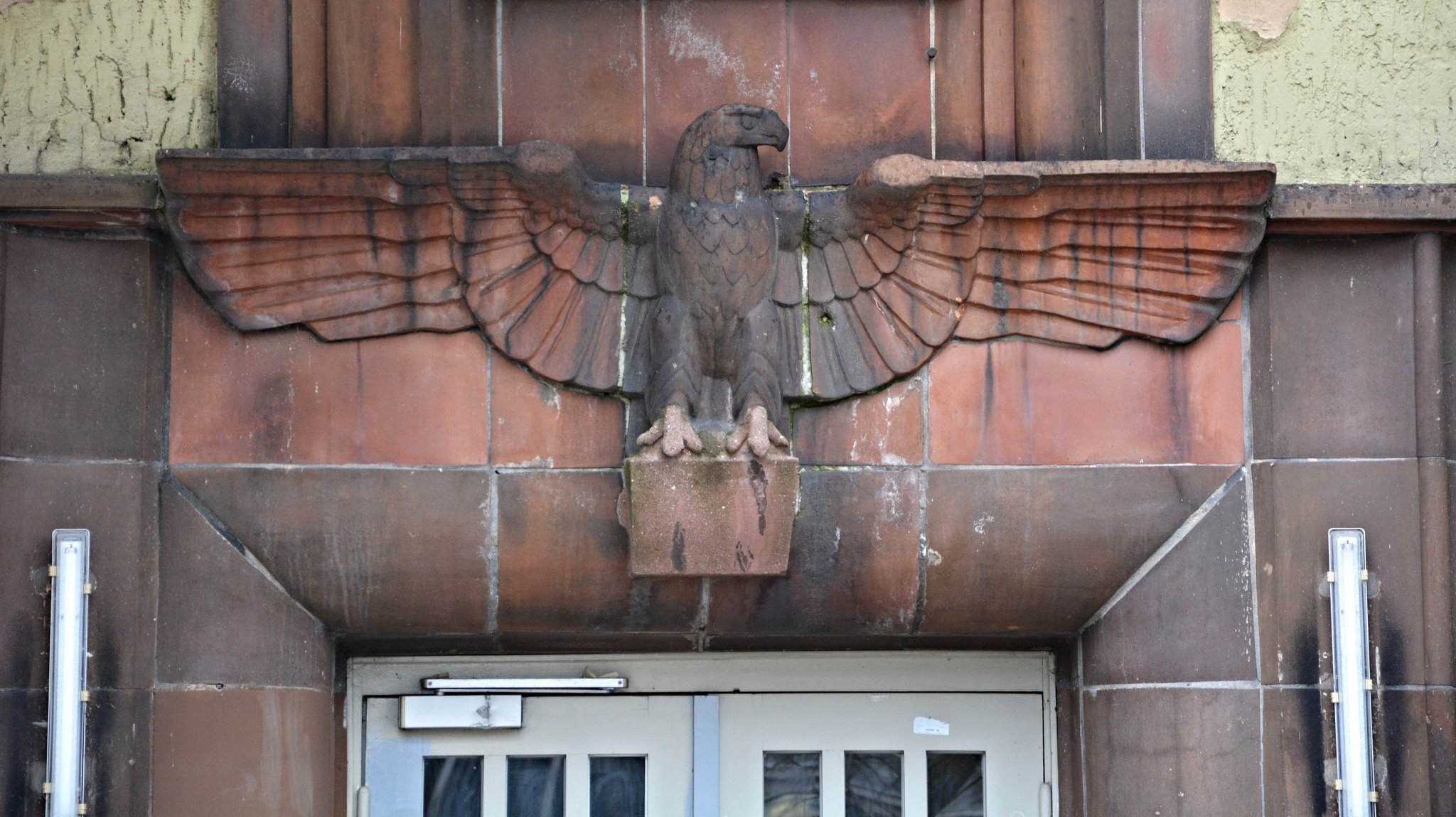 nazi wehrmachtsadler schule berlin