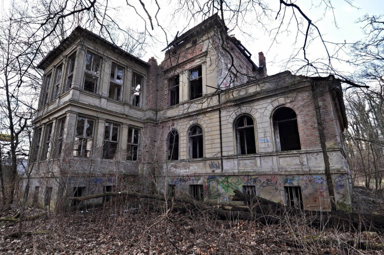 abandoned villa ruins germany germany lost places urbex