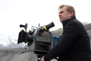 Regisseur, Co-Drehbuchautor und Produzent Christopher Nolan beim Interstellar-Dreh mit der IMAX- Kamera