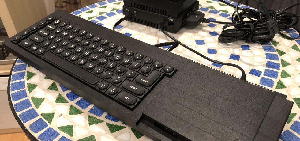 Tandata Modem Stack und Sinclair QL