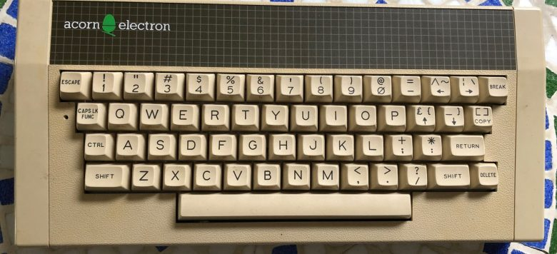 Gute Tastatur beim Acorn Electron. Entwicklung der Computertastaturen