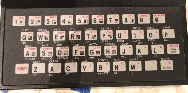 Folientastatur des Sinclair ZX81. Entwicklung der Computertastaturen