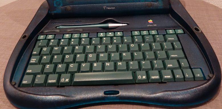 Zu kleine Tastatur beim Apple eMate 300. Entwicklung der Computertastaturen