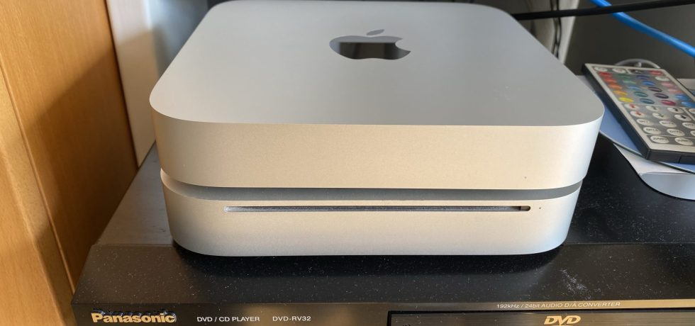 Mac Mini. Zwei Generationen. Ein Design