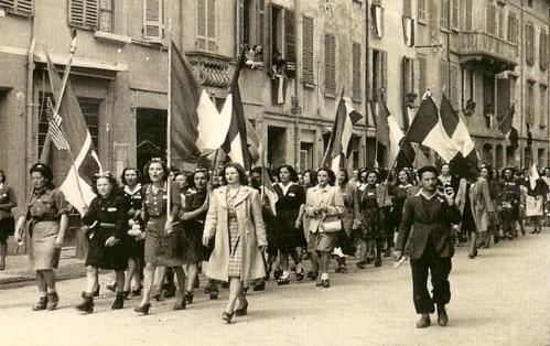 sfilata-donne-resistenza-Istoreco-RE