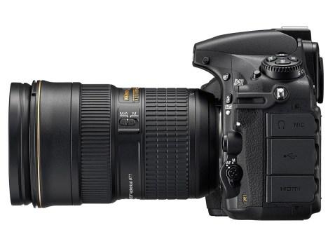 Nikon D810 - side