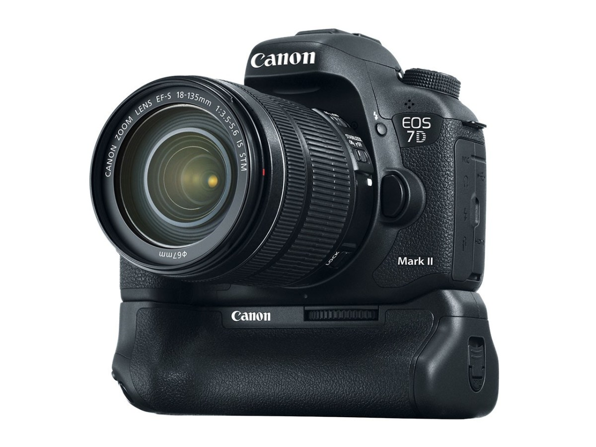 CanonEOS 7D Mark II - With Grip