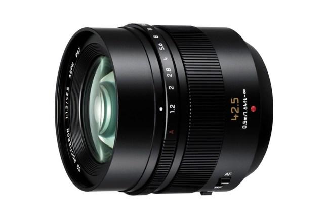 Panasonic Leica DG Nocticron 42.5mm f:1.2 Lens 04