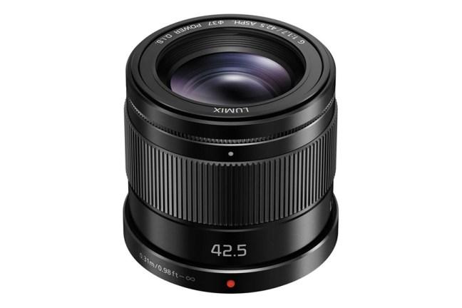 Panasonic Lumix G 42.5mm f:1.7 Asph Power O.I.S. Lens 01