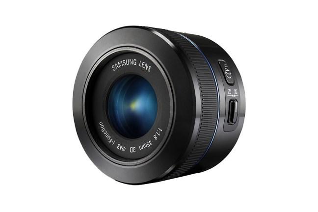 Samsung 45mm F1.8 2D:3D Lens 07