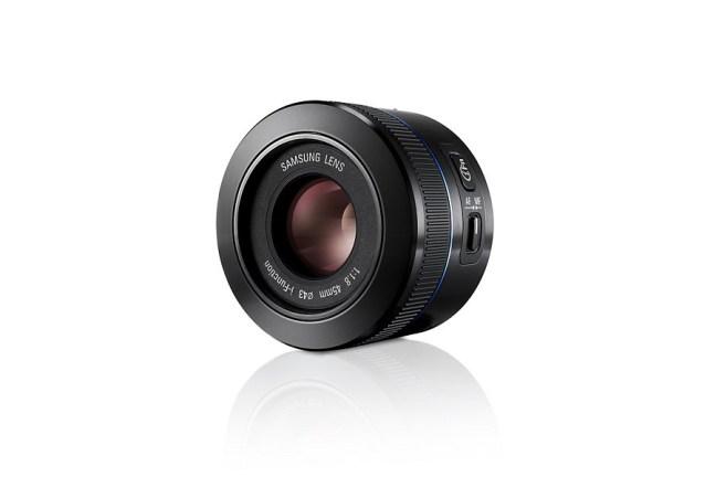 Samsung 45mm F1.8 Lens 07