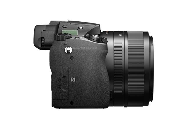 Sony Cyber-shot RX10 II 09