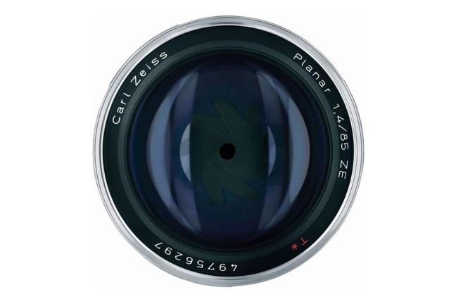 Zeiss Planar T* 85mm f1.4 Lens 09