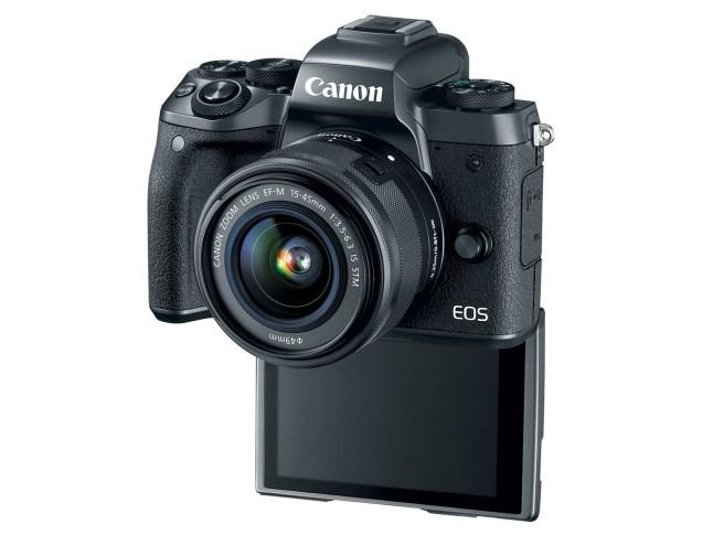 canon-eos-m5-selfie