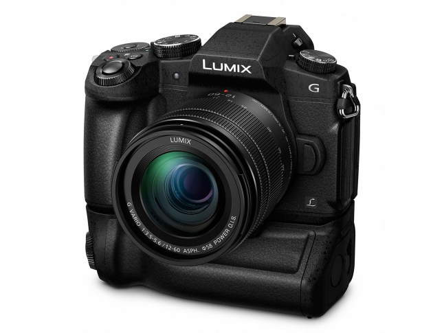panasonic-lumix-dmc-g85-battery-grip