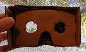 By Runner1928 (Google Cardboard assembled.jpg) [CC BY-SA 4.0 (http://creativecommons.org/licenses/by-sa/4.0)], via Wikimedia Commons