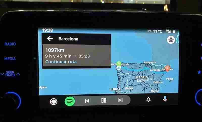 Android Auto ile Google Maps harici navigasyon uygulamaları kullanılabilecek
