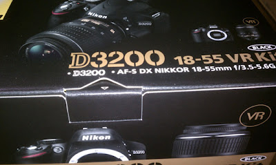 Nikon-D3200-box
