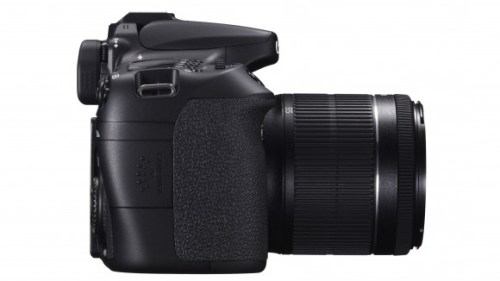EOS 70D SIDE RIGHT w EF-S 18-55mm IS STM-580-90