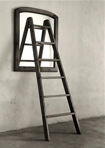 chema madoz escalera espejo