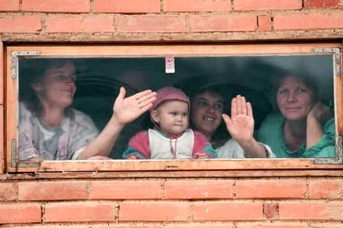 bosnian-refugees-velika-kladusa-look-out-makeshift-shelter-kuplenskos-refugee-camp