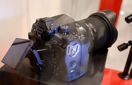 Pentax-full-frame-DSLR-camera-3