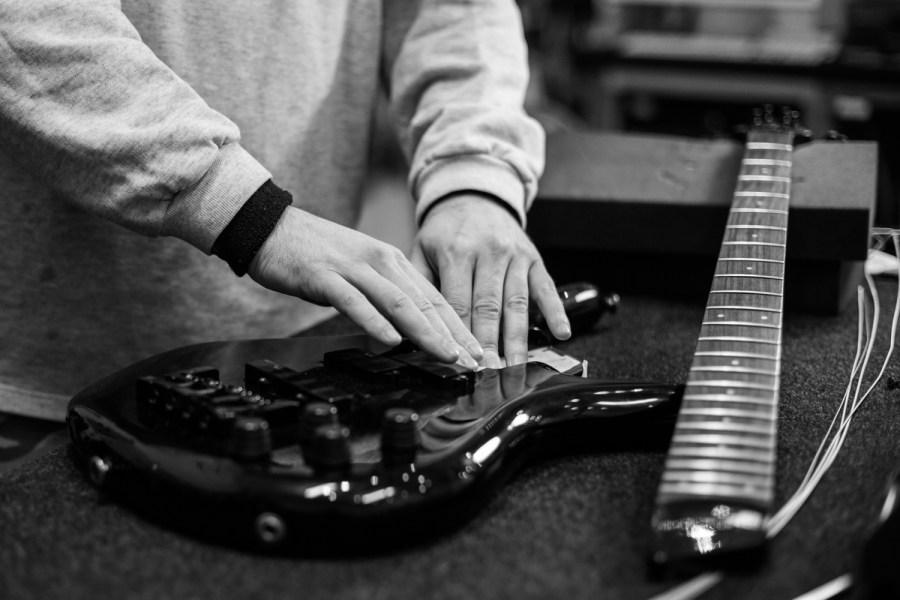 cámara en mano - sesión fotográfica Guitar & Bass