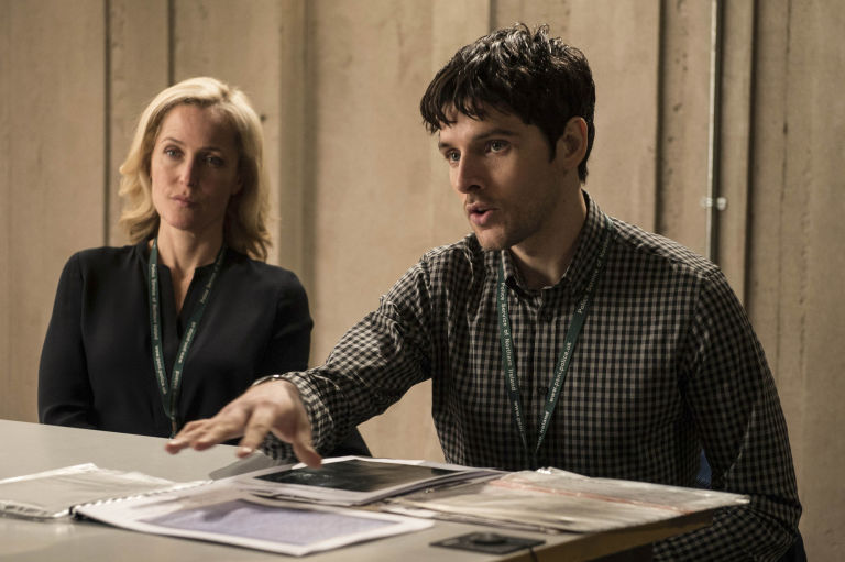 Stella Gibson E Tom Anderson in The Fall 3