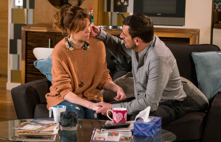 EMBARGO 24/1 Toyah and Peter are caught out in Coronation Street