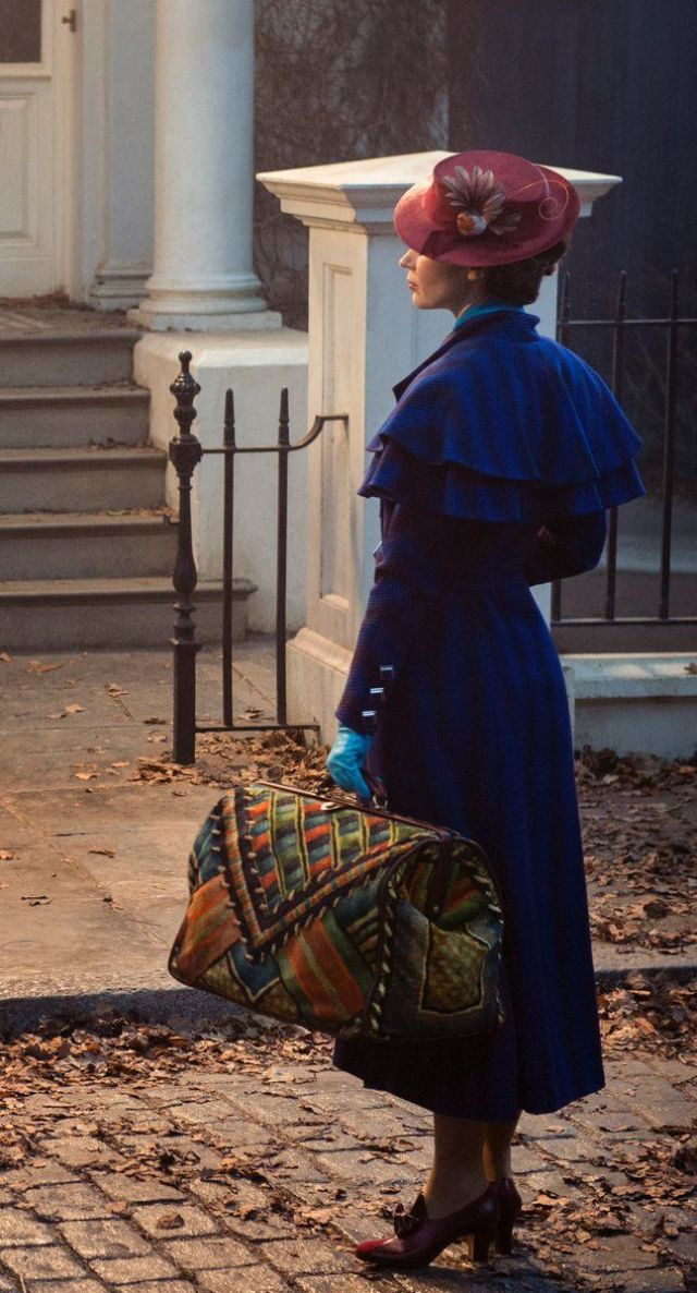 Emily Blunt in first look at Mary Poppins Returns