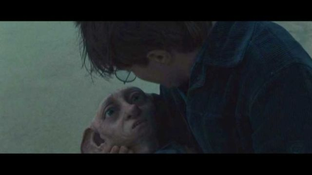 Dobby dies in Harry Potter