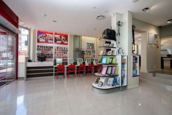 Cameraland store