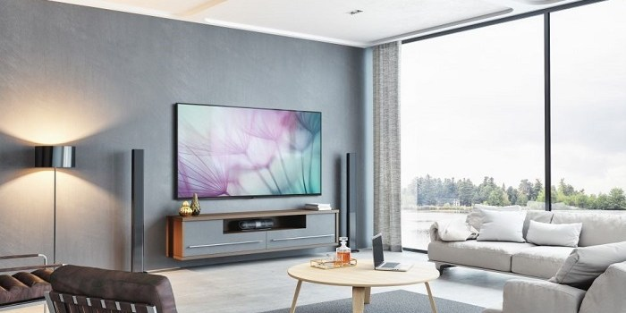 Fierce Showdown Between Samsung and Sharp in the 8K TV Segment