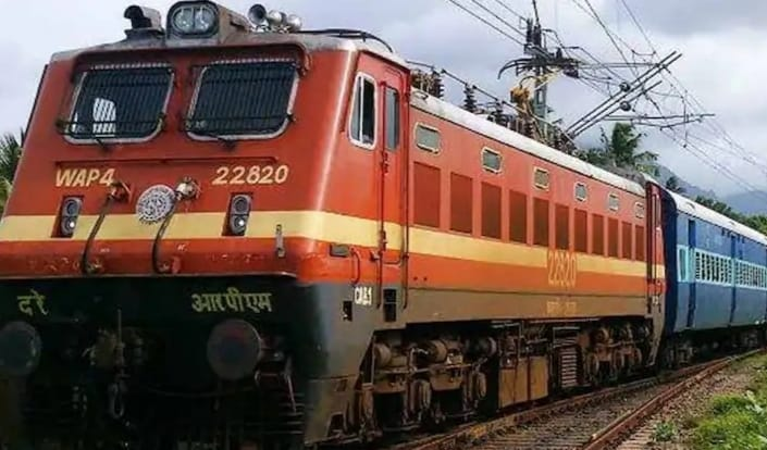 Robbers loot passengers in Prayagraj-Udhampur Express train