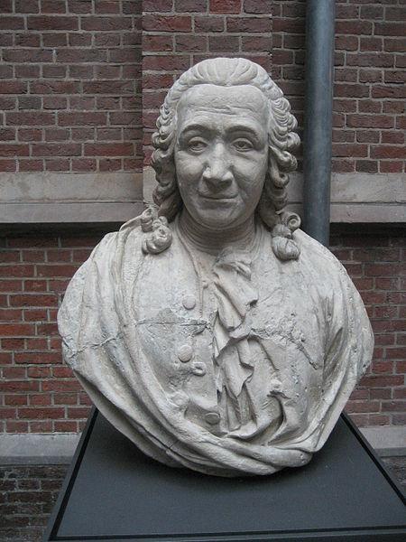 A bust of Carolus Linneaus
