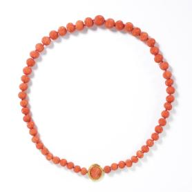 Carved coral necklace, Italy c.1820, Victoria & Albert Museum (M.62-2011)