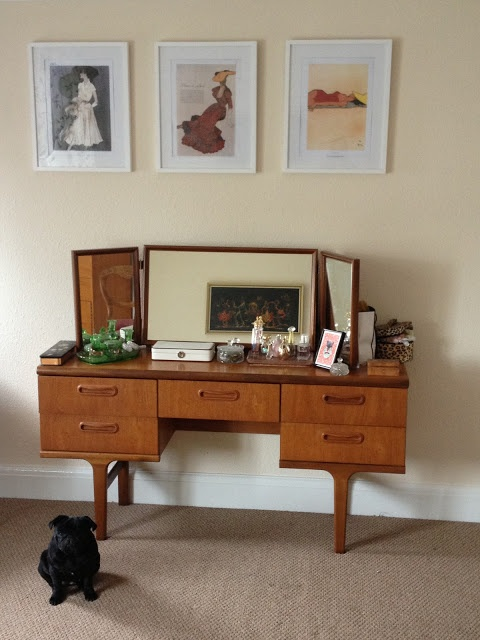 30 Elegant Mid Century Dressing Tables And Vanities Digsdigs
